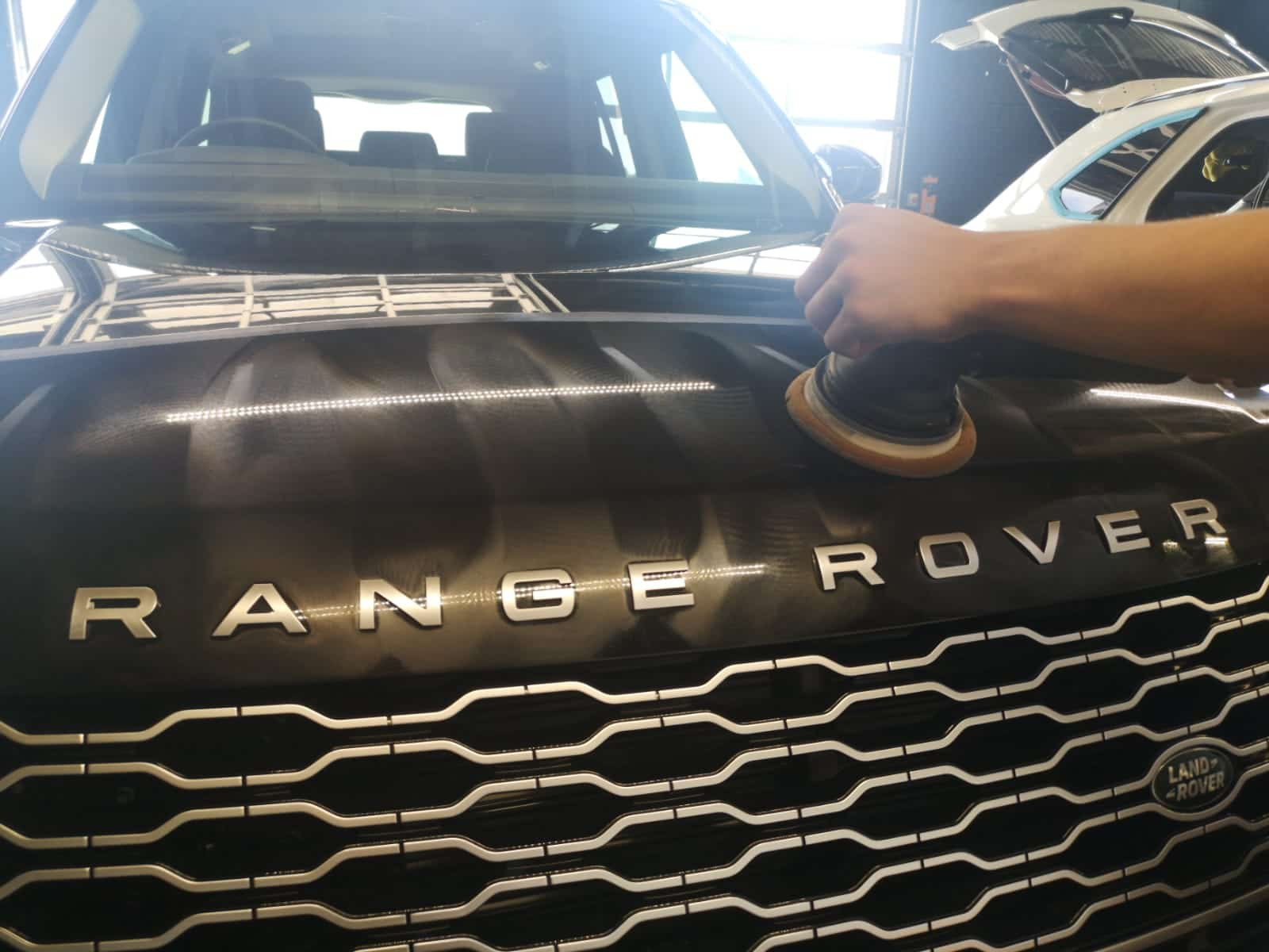 Range Rover Machine Polish
