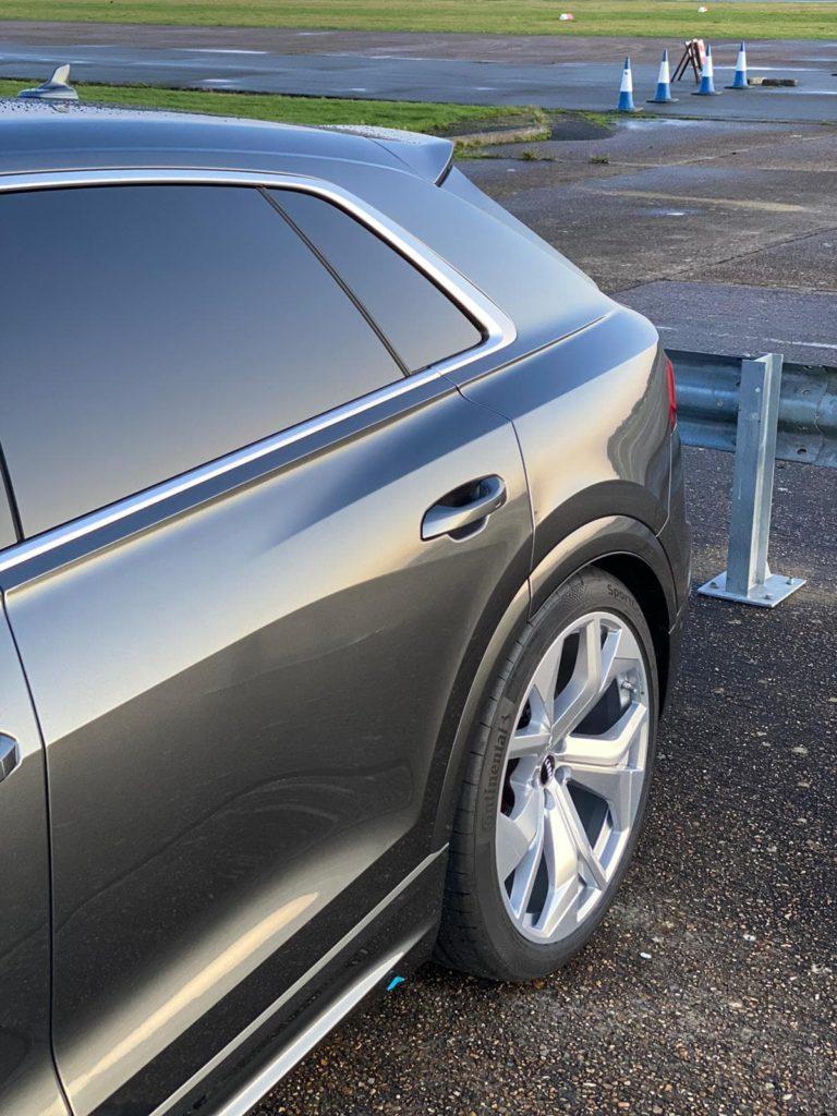 2020-Audi-RSQ8-min-768x1024