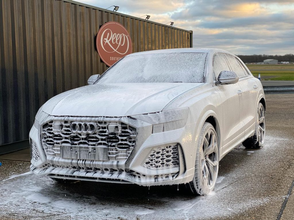 Audi-RS-Q8-Snow-Foam-Wash-min-1024x768