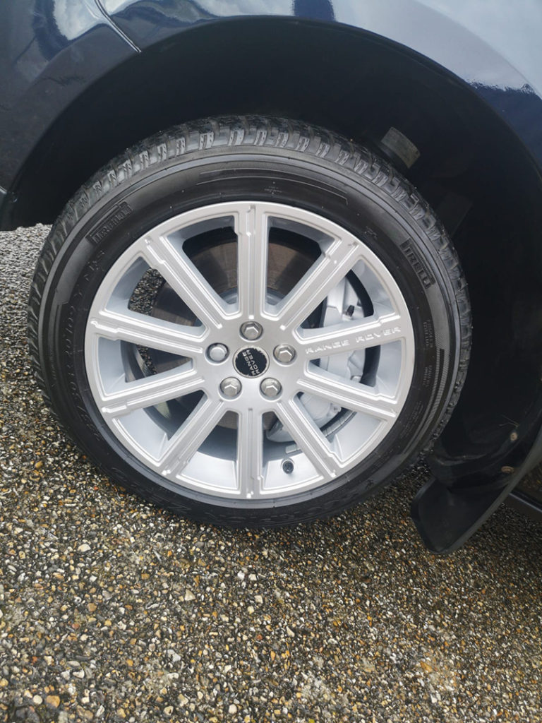 Land-Rover-with-Gtechniq-Wheel-Armour-768x1024