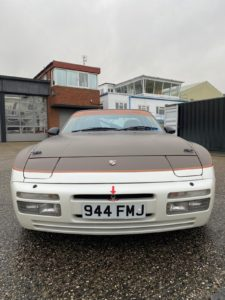Porsche-944-Car-Wrap-min-225x300