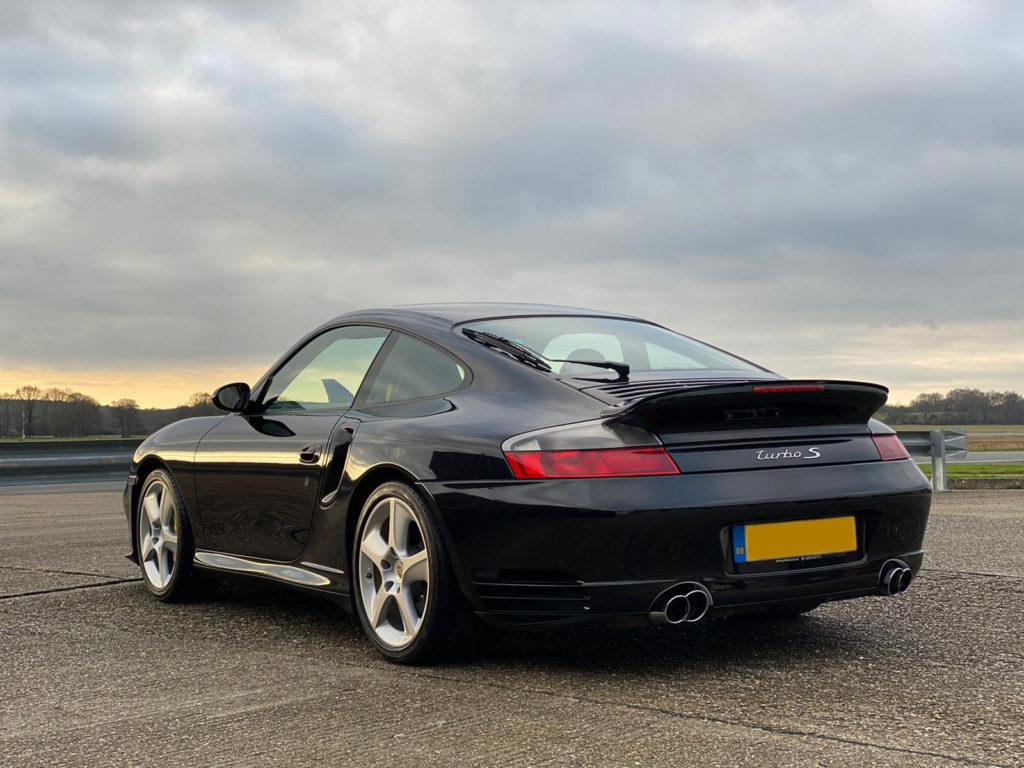 Porsche-Turbo-S-Detailing-1024x768