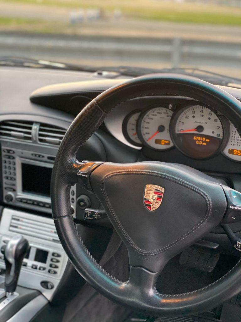 Porsche-Turbo-S-Interior-768x1024