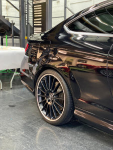 High-Gloss-Ceramic-Coating-for-Black-Car-225x300