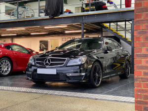 The-best-ceramic-coatings-for-black-car-300x225